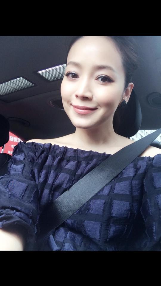 侯佩岑_臉書