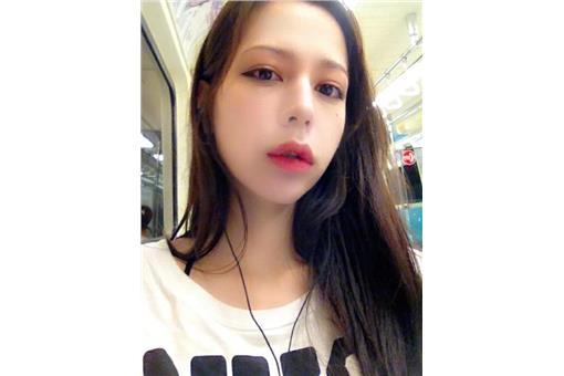 謝和弦女友激似徐若瑄(Keanna臉書)