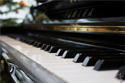 鋼琴、鍵盤-圖/www.flickr.com/photos/107621363@N05/
