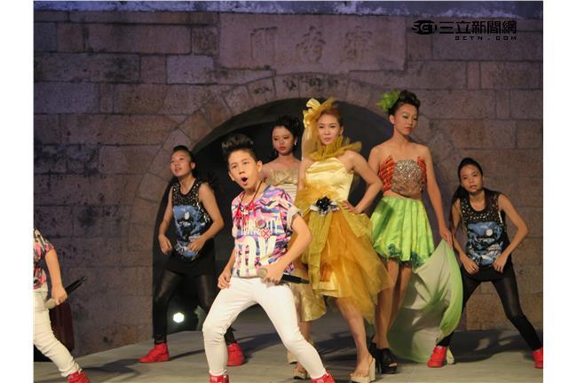 《青春好七淘》主持人台南玩「風」惹