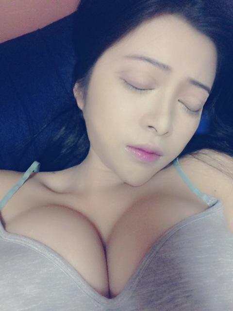 高元元,正妹,豪乳,巨乳,半球(高元元facebook)