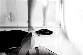 偷窺_▲圖Flavia Mariani Martins,flickr CC License