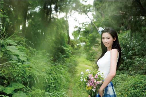 林志玲公益月曆(林志玲公益基金會臉書)