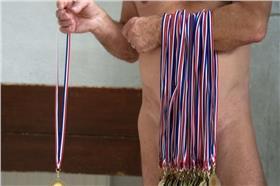 裸泳(LEFIGSRO網)