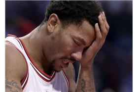 Derrick Rose:God!我怎麼又受傷了(設計對白)(圖/美聯社/達志影像)