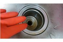 大掃除:水管、抽風機、冷氣機 圖/游雅嵐攝影