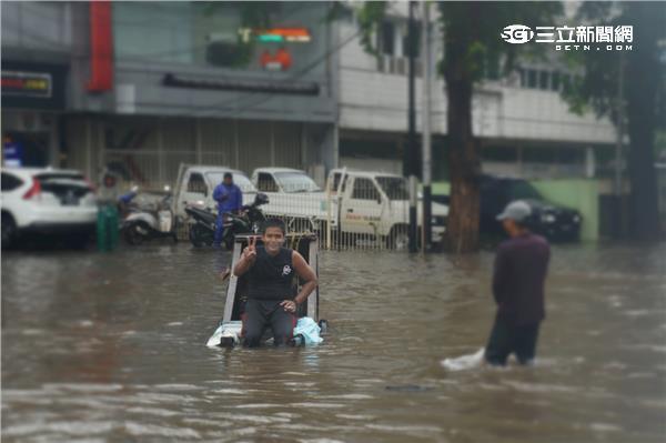 雅加達淹水/攝影傅家慶