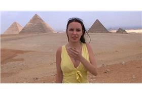 在埃及金字塔拍成人電影(煎蛋)