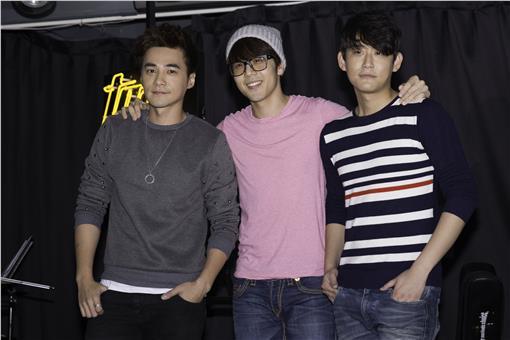 胡宇威-魔耳國際娛樂提供