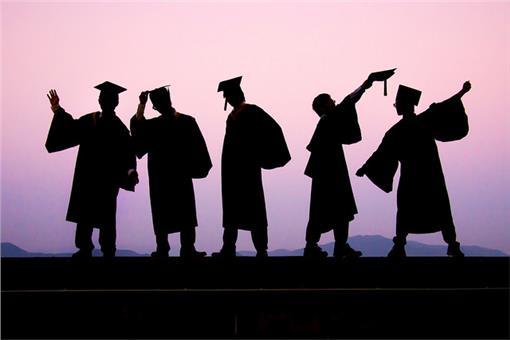 畢業生(https://www.flickr.com/photos/philia17/15601597778/)