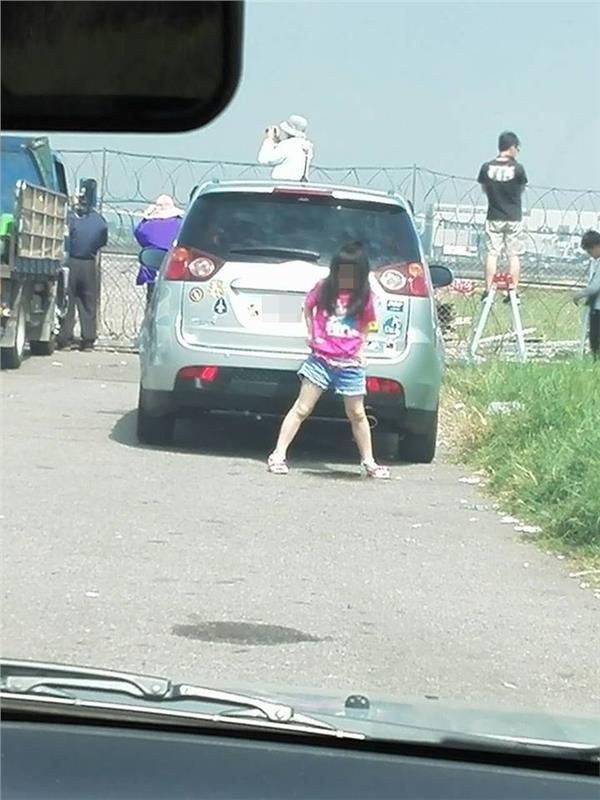 小女孩隨地便溺/投稿中心蔡文淵