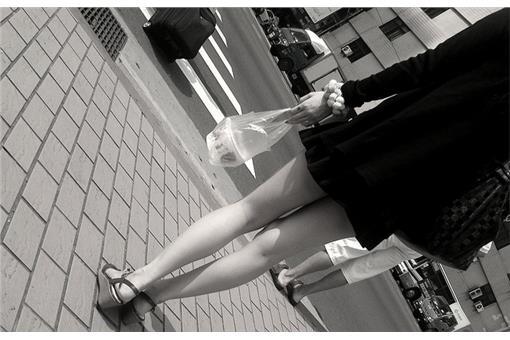 美腿、性騷擾、癡漢、偷拍-flickr-Blowing Puffer Fish-https://www.flickr.com/photos/changyisheng/5021615579