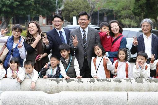 林佳龍,鳥居 (台中市政府提供)