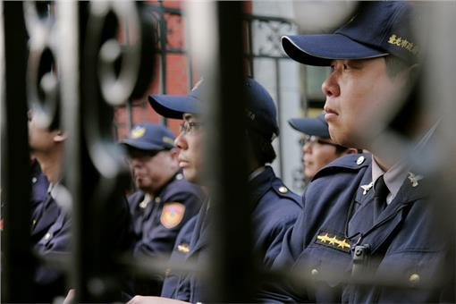警察、交警、交通警察-flickr-tomscy2000-https://www.flickr.com/photos/tomscy2000/13263876044/in/photostream/