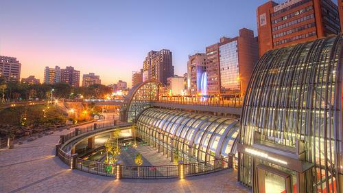 大安森林公園捷運站-flickr-https://www.flickr.com/photos/vicjuan/11059757473