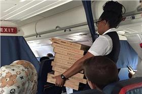 機長請吃披薩-每日郵報