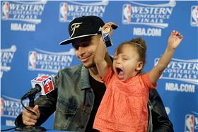 Stephen Curry女兒Riley Curry
