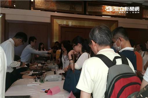 宏達電股東會現場/記者李宣