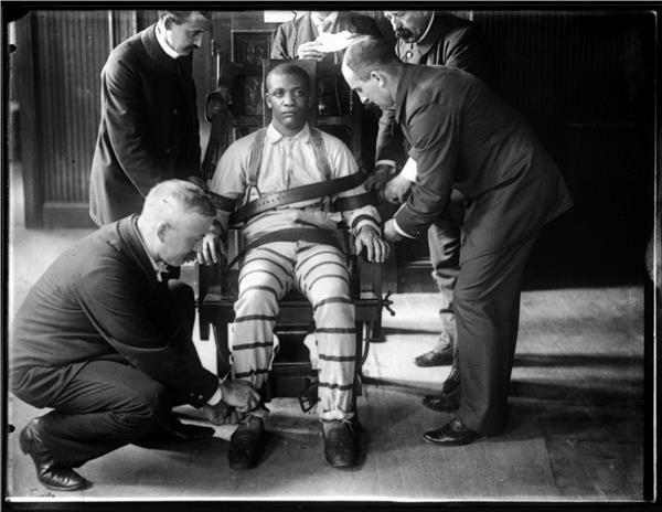 Electric Chair (Photo Credit: Wikimedia Commons, Maker: William M. Vander Weyde)