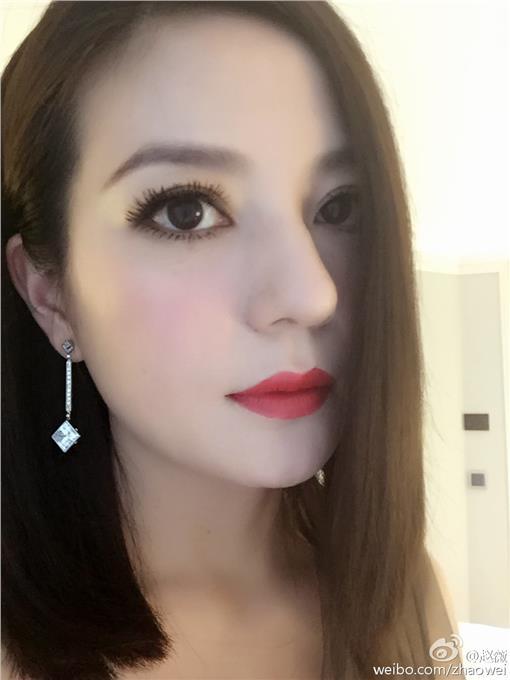 趙薇,電眼,精神賠償,小燕子,姑娘▲圖/取自趙薇微博http://www.weibo.com/zhaowei