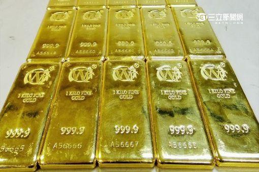 """""""黃金甲""""被海關扣查 背心藏20公斤黃金"""