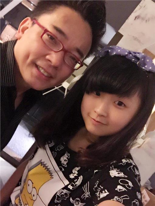 詹惟中-臉書