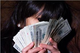 鈔票、錢/flickr-Steven Depolo