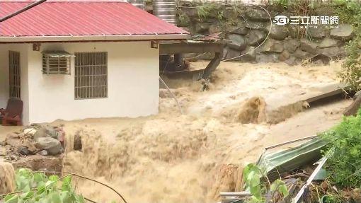 三峽暴雨猛水衝屋 竹崙路5口人2失蹤