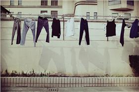 晾衣服、曬衣-flickr-Assassin LOVE-https://www.flickr.com/photos/assassinlove/8485330666/