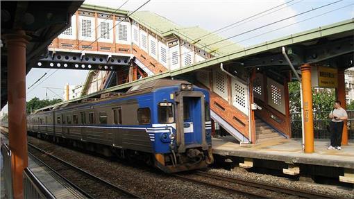 台鐵、火車undefinedundefinedhttps: