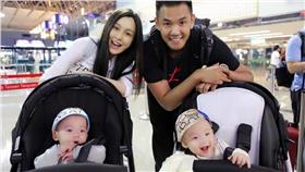 首-炫娃狂人,陳建州,范瑋琪,嬰兒車,凱迪拉克 圖/翻攝自黑人 陳建州臉書