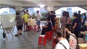 陳儀君-達觀里-投票-https://www.facebook.com/photo.php?fbid=973693305985164&set=pcb.973693445985150&type=1&theater