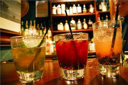調酒(圖/攝影者Southern Foodways Alliance, Flickr CC License)