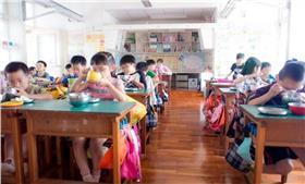 營養午餐_Tony Tseng,flickr CC License https://www.flickr.com/photos/tsengphotos/17342184692