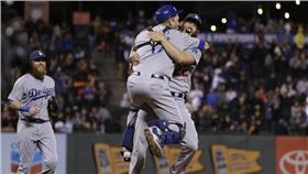MLB/洛杉磯道奇Clayton Kershaw率領道奇封王(圖/美聯社/達志影像)