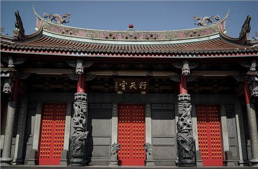 行天宮_Luke Ma,flickr CC License (https://www.flickr.com/photos/lukema/11868299366)