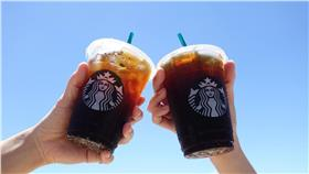 不少上班族每天必喝星巴克咖啡(圖/翻攝自統一星巴克咖啡同好會臉書)