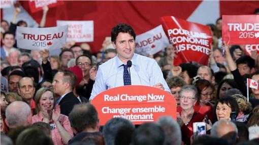 杜魯道-加拿大-https://www.facebook.com/JustinPJTrudeau/photos/pb.21751825648.-2207520000.1445316172./10153795302735649/?type=3&theater