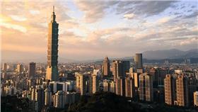 台北101、象山-flickr-David Hsieh-https://www.flickr.com/photos/dyhl22/16141602477/