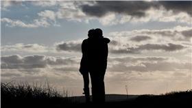 ▲遠距離戀愛.戀人.遠距(圖/攝影者ROBERT MOORE, flickr CC License)https://flic.kr/p/7y1MV2