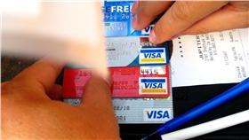 信用卡(圖/flickr_John Lambert Pearson_https://flic.kr/p/2akLJh)