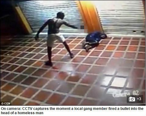 槍殺-圖/翻攝自《每日郵報》