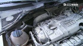 跑車自燃毀1200