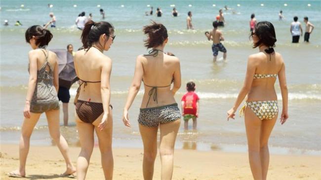 夏天,天氣,炎熱/flickr https://www.flickr.com/photos/enixii/5856429165/in/photolist-9VvJmD-fjxE6R-nyPmnF-554m8j-9UPC2n-6CS9ht-ppP6y5-pana9Z-ppP4Py-pamHsQ-pakUSg-ppP4DJ-prPop3-pan8fi-pakUHi-prPogs-pameUW-pryJmg-prQY6x-prPnB1-pakU42-pambPY-53cps7-53cnFu-5388Fz-57UGZ4-tVEA68-9UPAvX-q7mP5P-54Zap8-8pGFuq-6QnQJW-9USr7b-57YQRw-53cjAQ-57YWL1-57YWpu-57YVWu-57UGJc-57YVaj-57YSNQ-57YSu1-57UDjK-57UCWv-57UCDF-57UCjn-57YQtU-53cq7C-53cpP1-53cp3y