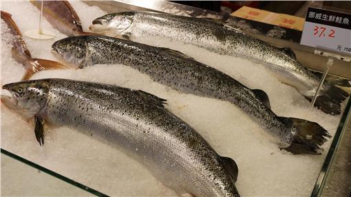 最短食物里程,深海魚,鮭魚,鱈魚,營養 圖/攝影者挪威 企鵝, Flickr CC License https://www.flickr.com/photos/macglee/8304060142/