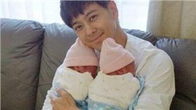 林志穎與老婆、雙胞胎小孩/林志穎的微博