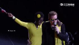U2巴黎開唱1100