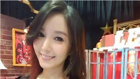 蔡郁璇、雅典娜轟趴/蔡郁璇臉書