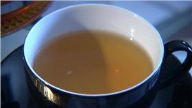 綠茶/flickr-Peter Fritz Walter https://www.flickr.com/photos/sirius-c-publishing/12479062314/