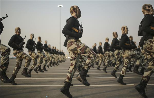 沙烏地阿拉伯聯合軍隊閱兵(圖/美聯社/達志影像)